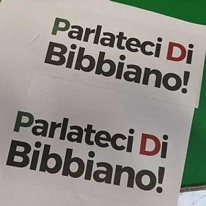 """Torino, adesivi con la scritta """"Parlateci di Bibbiano"""" sulla porta della sede Pd"""