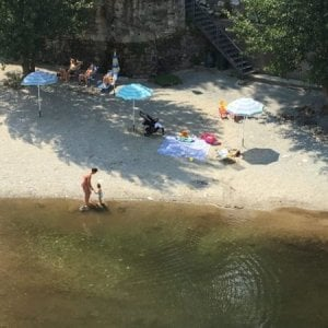 A Varallo Sesia nel Vercellese la prima spiaggia per naturisti lungo un fiume