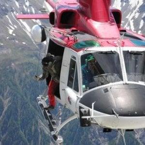 Donna precipita e muore sul Monte Bianco, grave il compagno, guida alpina di Courmayeur