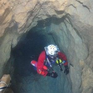Salvo e riportato in superficie lo speleologo ferito a 300 metri di profondità nelle Alpi del Cuneese