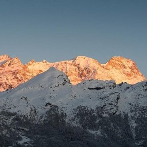 Incidenti montagna: alpinista precipita e muore sul monte Rosa