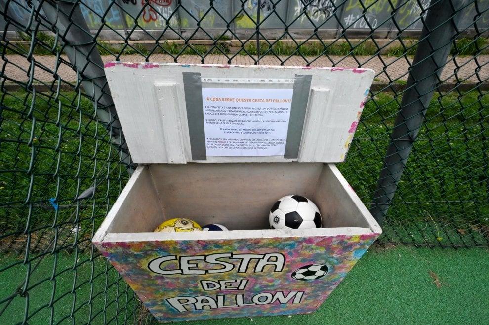 La cesta dei palloni al parco Ruffini: l'idea di due ragazzi del borgo