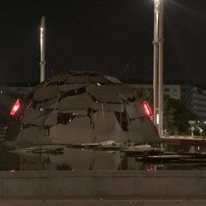 Torino, l'Igloo sfregiato di Merz: da mesi non ha più un punto cardinale