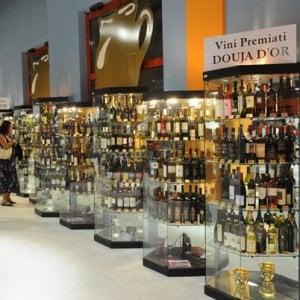 Inaugurata la Douja d'Or, Asti per una settimana sarà la capitale del vino