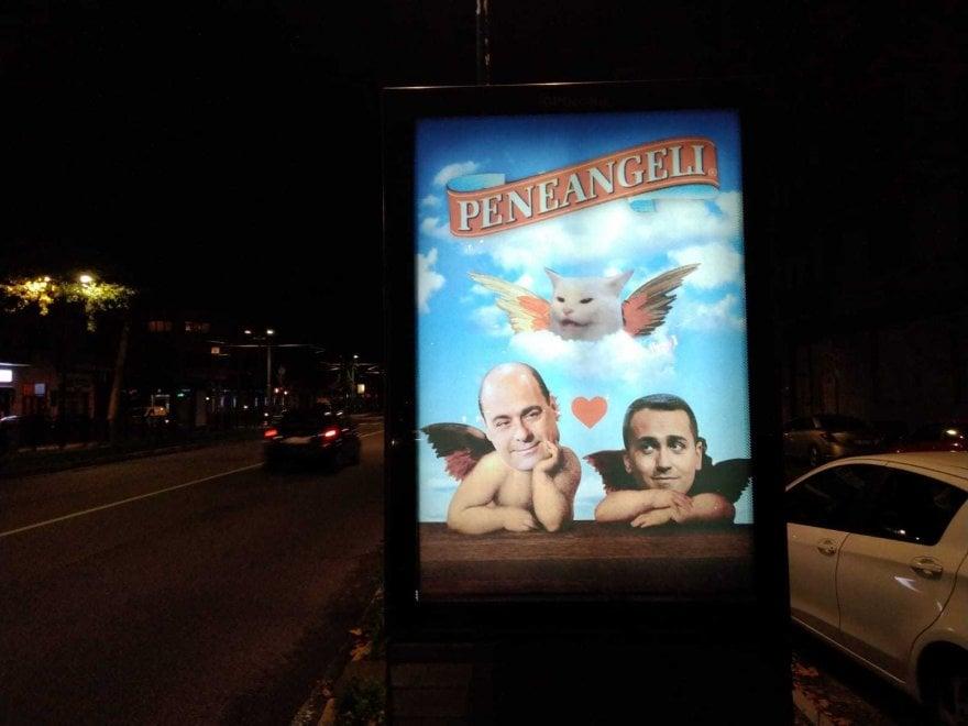 """Riecco il """"Banksy torinese"""", stavolta nel mirino ci sono Di Maio e Zingaretti"""