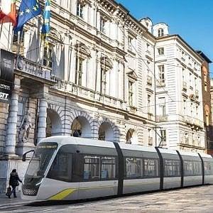 Ecco i trenta nuovi tram di Torino, li ha disegnati la società di Giugiaro per Hitachi