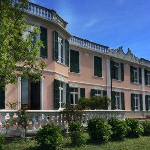 """Villa Pinus, grande cucina e il conto è ancora """"in lire"""""""