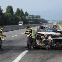 L'auto si incendia dopo uno scontro, muoiono papà e bambina sulla Torino-Pinerolo