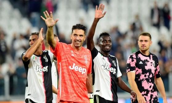 Juventus-Verona 2-1: Ramsey risponde a Veloso, decide un rigore di Ronaldo