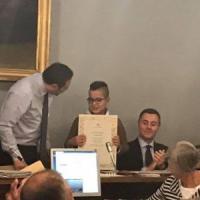 Novara, premiato il ragazzino-eroe di 10 anni  che salvò mamma e figlio
