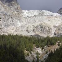 Riapre anche ai turisti la strada del Val Ferret sotto il ghiacciaio
