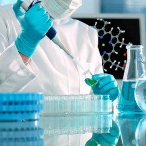 Tumore colon-retto, scoperta proteina killer che fa crescere il cancro