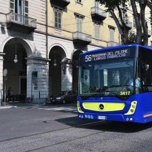 Torino: una brusca frenata e il vetro del nuovo bus Gtt va in frantumi