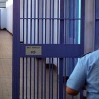 Torino, arrestati sei agenti della penitenziaria: accusati di torture ai detenuti,...