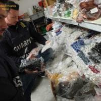 Torino, sequestrati dalla Guardia di finanza 100 mila pezzi di  falsi gioielli