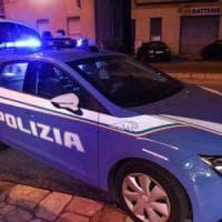 Torino, detenuto in permesso cerca di sgozzare la fidanzata: in passato aveva già ucciso...