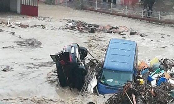 Allarme alluvione nell' Alessandrino: fiumi esondati e strade invase dal fango