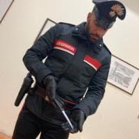 Studente minacciato con il coltello, picchiato e rapinato