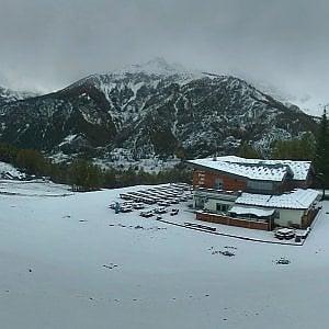 La prima neve accende la voglia di sci: speranze di una partenza anticipata