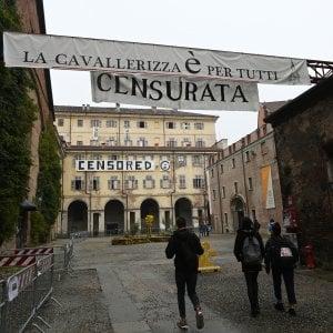 """Cavallerizza, l'ultimatum di Appendino agli occupanti: """"Lunedì si firma l'accordo"""""""