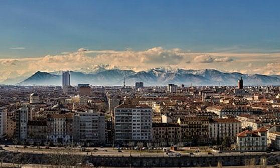 Vecchioni e Torino: di notte in una pensione dietro via Po ho scritto il mio album più bello