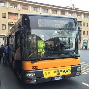 Novara Studenti Denunciano Autista Bus Che Insulta