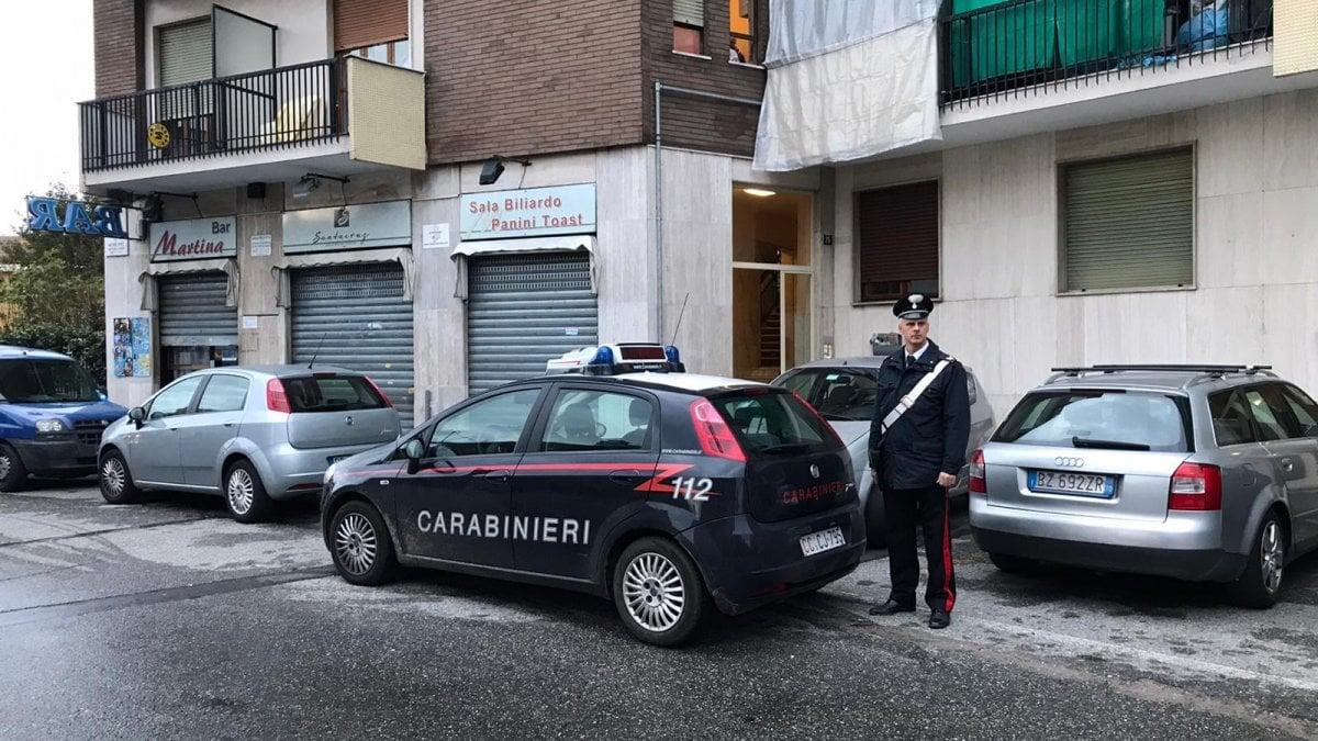 Torino, cerca di uccidere il figlio con i tranquillanti nel biberon e poi tenta il suicidio - La Repubblica
