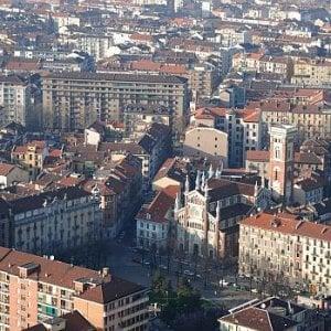 Torino, un feto di 10-15 settimane trovato in un contenitore in piazza Benefica