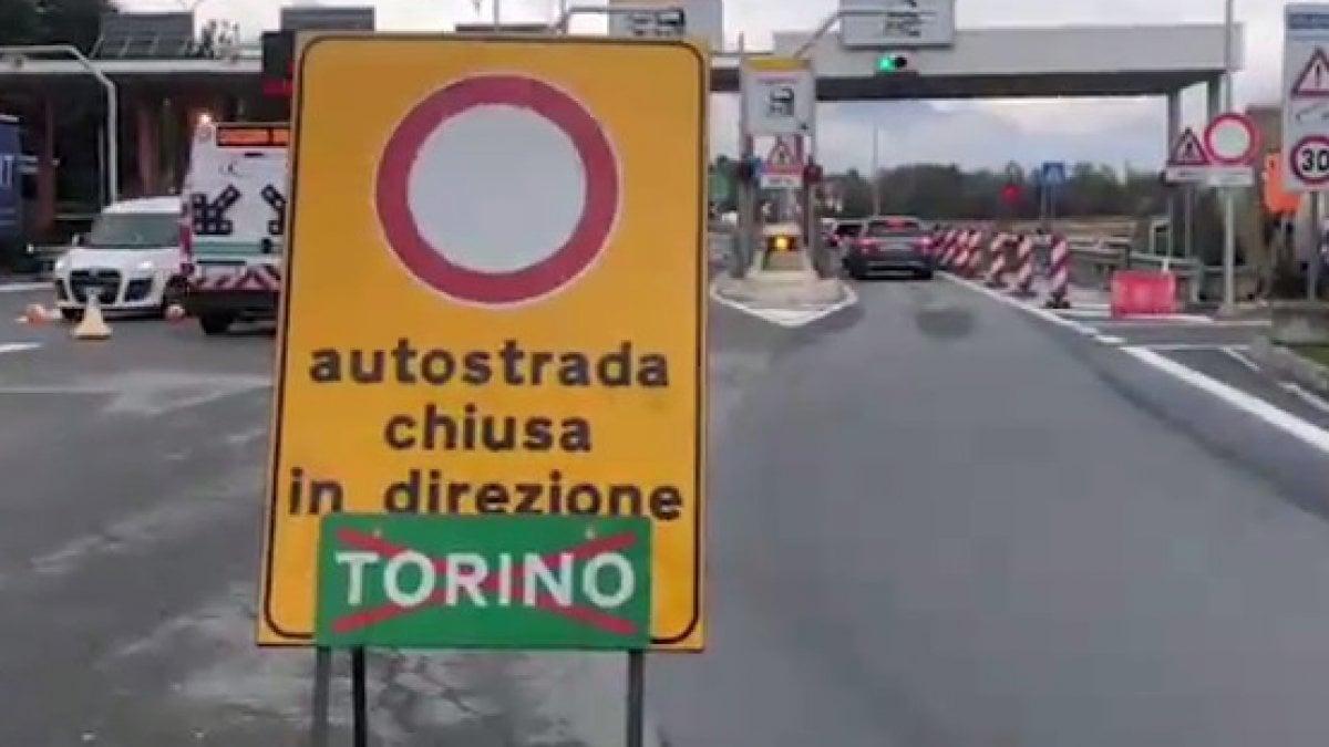 Chiusa l'autostrada Torino-Aosta per il danneggiamento di un viadotto - La Repubblica