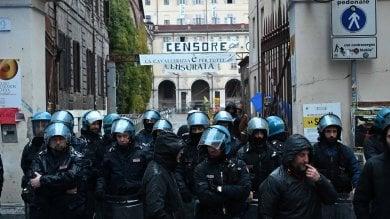 Torino: sgomberata la Cavallerizza, anche gli ultimi occupanti    si arrendono          Video