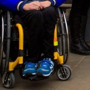 Torino, bambino disabile muore durante il trasporto su un furgone attrezzato