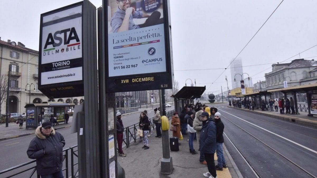 Torino, oggi un giorno di passione con i mezzi pubblici: scioperano i ...