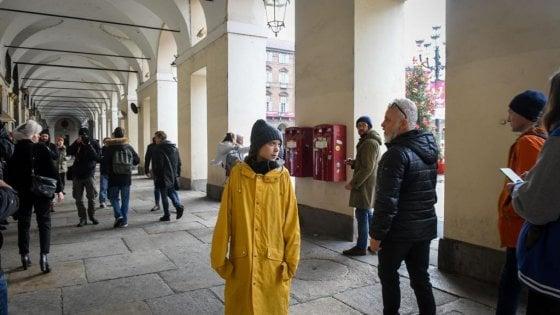 """Cinquemila in piazza Castello per Greta: """"Torino puoi farcela a battere lo smog"""""""