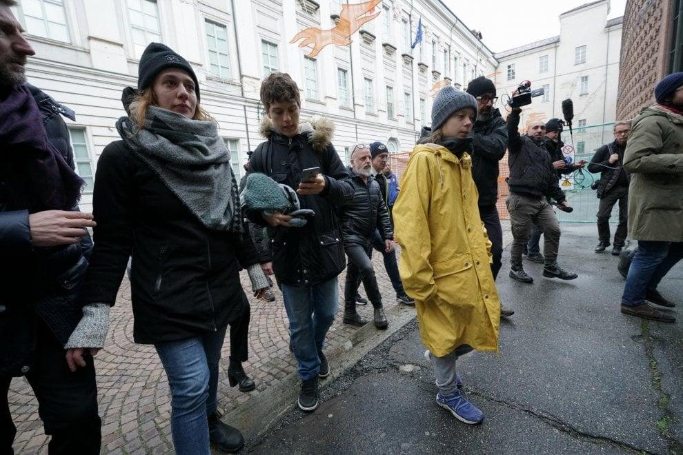 Greta a Torino, la attende un bagno di folla in piazza Castello
