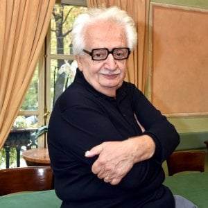 Antonello Costa a Le Musichall, Bruno Gambarotta in quota
