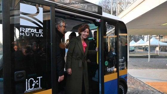 A Torino debutta Olli, il mini bus senza pilota. Come hostess avrà persone con reddito di cittadinanza
