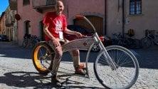 Bici-Harley e tricicli in bambù, Cuneo omaggia l'Archimede dei pedali
