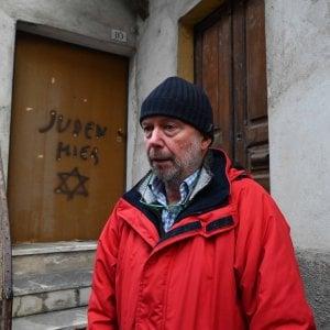 """Il figlio di Lidia Rolfi: """"Inquietante quella svastica sulla nostra porta, si è creato un clima e questi sono i risultati"""""""
