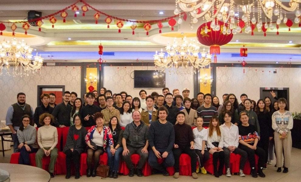 Politecnico di Torino, rettore e studenti cucinano cinese per dire no alla psicosi coronavirus