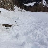 Domodossola, snowboarder di 49 anni precipita e muore da un salto di roccia