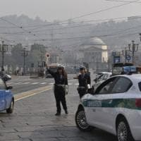 Torino: il vento aiuta gli automobilisti, spazzati tutti i divieti antismog