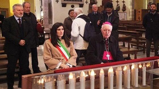 """Il vescovo di Torino: """"Messe vietate ma c'è più gente nei supermercati che nelle chiese"""""""