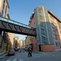 Torino, tenta il suicidio gettandosi dal terzo piano dell'ospedale Gradenigo