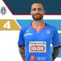 """Coronavirus, calciatore del Novara su Instagram elogia la """"lungimiranza di Mussolini"""""""