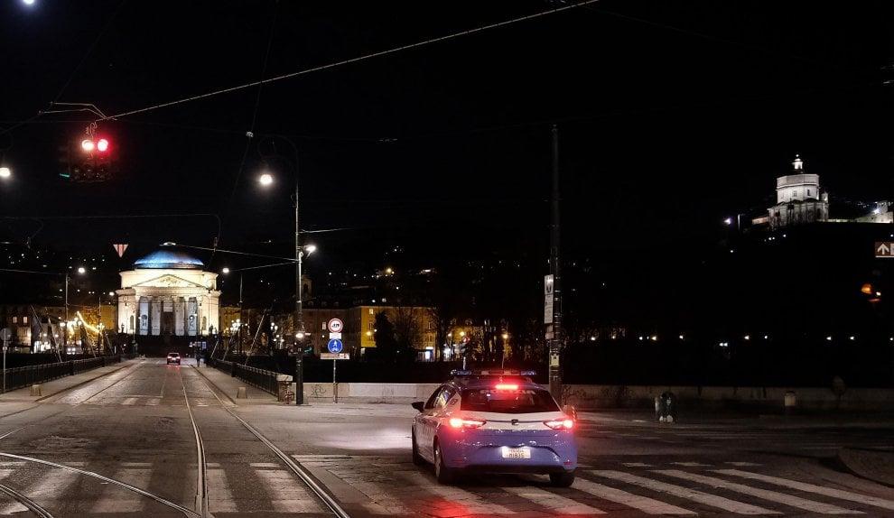 Com'è bella Torino di notte: anche deserta