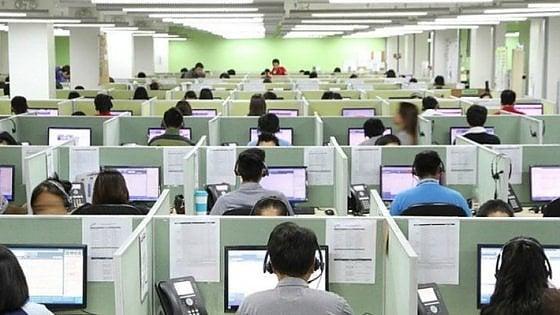 Comdata, 4 lavoratori positivi al test e 250 a rischio: a Ivrea chiuso il call center più grande d'Italia, stop anche a Palermo