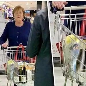 Due bottiglie di vino piemontese nel carrello della spesa di Angela Merkel