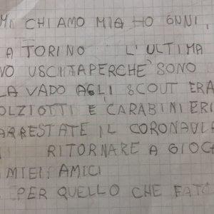 """Bimba di 6 anni scrive a polizia e carabinieri: """"Arrestate il coronavirus"""""""