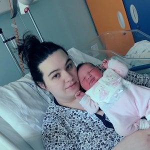 Nel secondo paese più piccolo d'Italia nasce una bimba dopo sette anni: Aurora