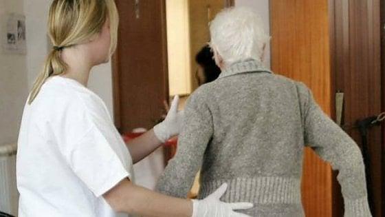 Coronavirus, test a tappeto su tutti i dipendenti e gli ospiti delle 700 case di riposo in Piemonte